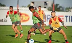 Com titulares em campo, Renato comanda treino tático do Flamengo de olho no ABC