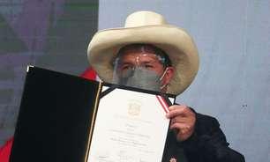 Castillo assume Presidência do Peru entre tempestades políticas em um país dividido