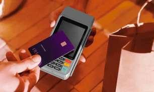 Conta do Nubank permite receber dinheiro de vendas por máquina de cartão