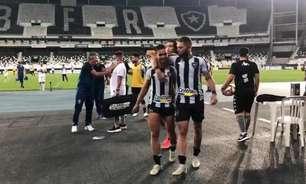 Navarro brinca com Marco Antônio após assistência na vitória do Botafogo: 'Vai ter que pagar o almoço'
