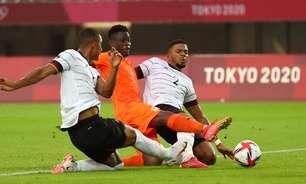 Alemanha empata com Costa do Marfim e está eliminada
