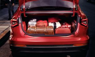 SUV ou sedã: quem tem o melhor porta-malas até R$ 100 mil?