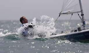 Scheidt cruza em nono na regata decisiva e fica sem medalha