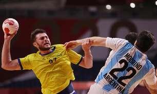 Brasil bate Argentina e mantém chance de avançar no handebol