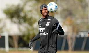De olho no Flamengo, Corinthians faz treino tático e de bolas paradas
