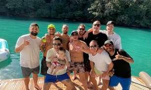 Neymar 'sacrifica' plano de férias na Europa pelos parças
