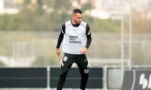 Renato Augusto faz o seu primeiro treino com bola pelo Corinthians