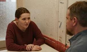 """Amanda Knox ataca filme """"Stillwater"""" por ficcionalizar sua vida sem autorização"""