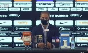 Mesmo após derrota para o Fla, Sylvinho descarta mudança de esquema tático no Corinthians