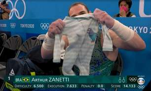 Zanetti chora ao falar do filho e recebe apoio de repórter