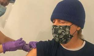 """Paul McCartney toma vacina contra o coronavírus: """"Seja legal"""""""