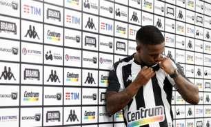 Jonathan exalta felicidade em retorno ao Botafogo: 'Estou num clube de Série A'