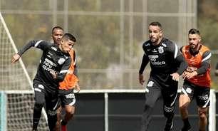 Renato Augusto e Giuliano treinam com bola e ficam mais próximos de estreia pelo Corinthians