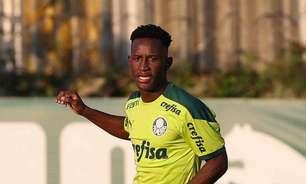 Antes de empréstimo, Ivan Angulo prorroga contrato com o Palmeiras