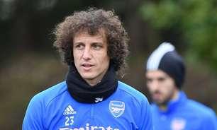 """David Luiz diz ter recebido propostas: """"Não tocaram coração"""""""