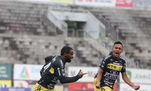Cascavel surpreende o Athletico e vai à final do Paranaense