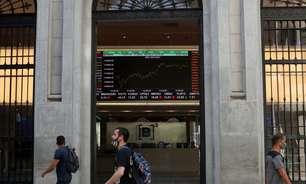 Com IOF, Bolsa de SP cai 2,07% e cede 2,49% na semana
