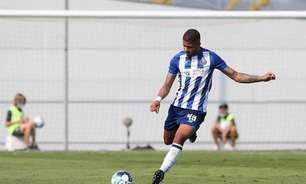 Próximo de completar um ano pelo Porto B, João Marcelo é integrado aos treinos do profissional