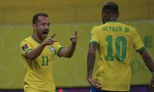 Éverton Ribeiro comenta briga por titularidade na Seleção