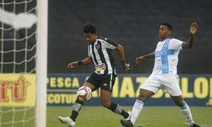 Botafogo aproveita vantagem numérica e goleia o Londrina