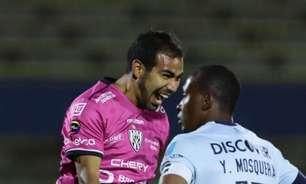 Ex-Corinthians, Junior Sornoza marca golaço à lá futsal