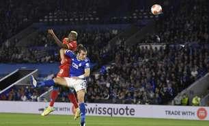 Napoli fica duas vezes atrás do placar, mas arranca o empate contra o Leicester pela Europa League