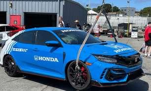Grosjean bate pace-car da Indy em exibição antes de treino livre em Laguna Seca