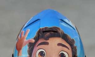 FOTO: Aleix Espargaró põe desenho da Pixar no capacete no GP de casa da Aprilia