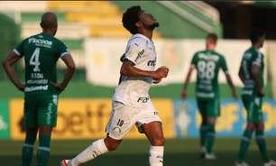 De olho na Libertadores, Palmeiras volta a vencer fora de casa e derrota a Chapecoense no Brasileirão