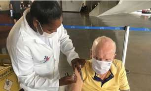 Zagallo, após tomar terceira dose da vacina contra Covid: 'Dose de reforço tem 13 letras'