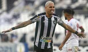 Autor de dois gols na vitória do Botafogo, Rafael Navarro comemora boa fase: 'Muito feliz'