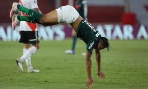 Rony relembra gol da Libertadores e explica troca de posição com Breno: 'Estava com sede'
