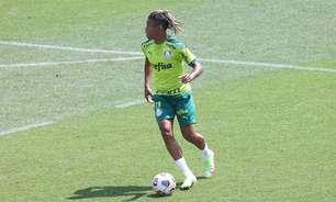 Danilo volta a treinar com o restante do elenco do Palmeiras