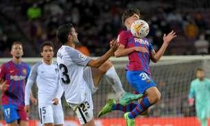 Barcelona marca perto do fim e empata com o Granada em LaLiga