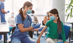 Pediatra ressalta a importância de vacinar adolescentes contra a Covid-19
