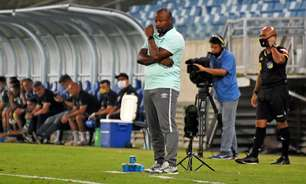 Marcão vê jogo equilibrado em empate do Fluminense e critica árbitro por gol anulado: 'Já fez isso'