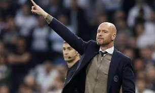 Técnico do Ajax nega rumores sobre possível ida para o Barcelona