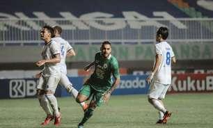 Ex-Palmeiras, Juninho comemora estreia com gol pelo PSS Sleman, da Indonésia