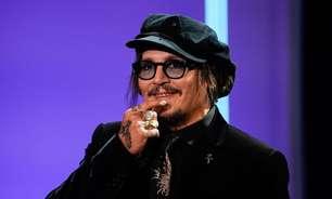 """Johnny Depp critica """"cultura do cancelamento"""" antes de receber prêmio em San Sebastián"""