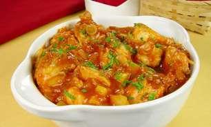 Receitas de pé de galinha e frango para economizar na cozinha