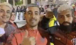 Sósias marcam presença no Maracanã em retorno dos torcedores em Libertadores: 'Vai dar Flamengo'