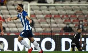 Nos minutos finais, Porto vence o Gil Vicente e encosta na liderança da Primeira Liga