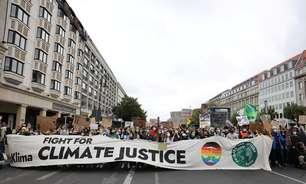 Jovens de todo mundo voltam às ruas contra a mudança climática