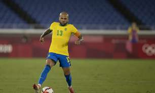 Tite revela conversa com Daniel Alves e abre brecha para que lateral volte posteriormente à Seleção