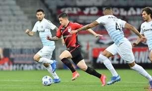 Com lei do ex, Athletico vence Grêmio, que segue no Z-4
