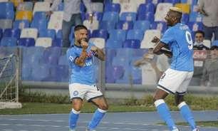 Napoli vence o Cagliari e segue líder do Campeonato Italiano