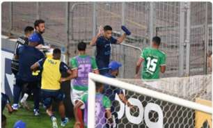 O tempo fechou! Veja imagens da briga entre jogadores após vitória do CSA sobre o Cruzeiro em BH