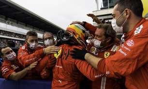 """Sainz elogia tática da Ferrari para pódio na Rússia: """"Paramos no momento adequado"""""""