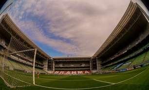 Atrito por causa de uniformes atrasa início do duelo entre América-MG e Flamengo pelo Brasileiro