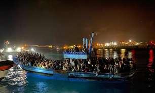 Mais de 500 migrantes desembarcam na ilha de Lampedusa